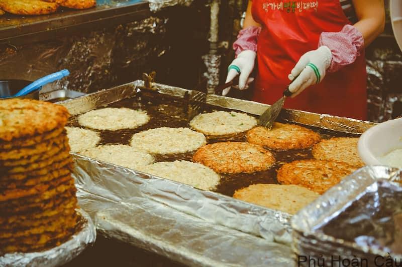 Bánh kếp Hàn Quốc là ẩm thực đường phố nổi tiếng ở Hàn