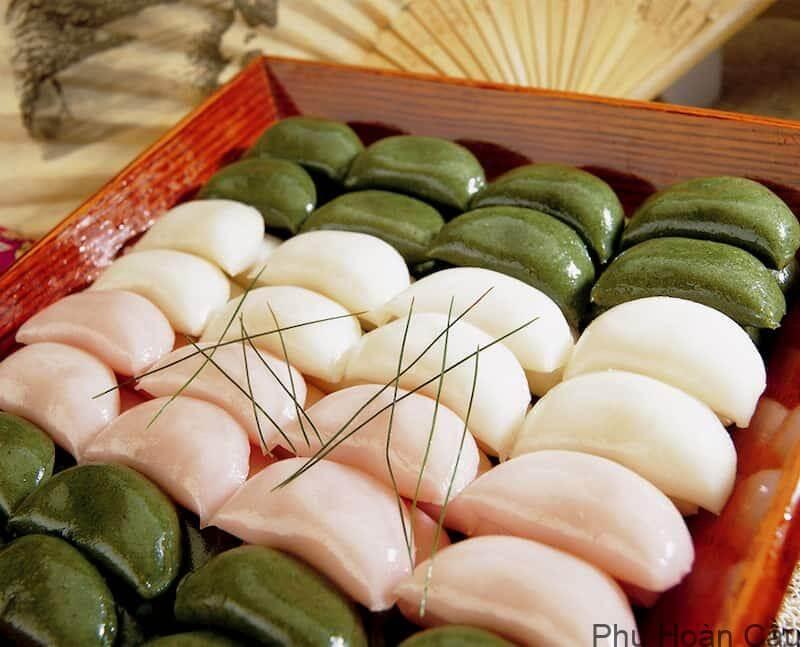 Bánh Songpyeon là bánh trung thu truyền thống Hàn Quốc