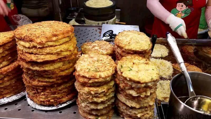 Bindaetteok - bánh kếp Hàn Quốc