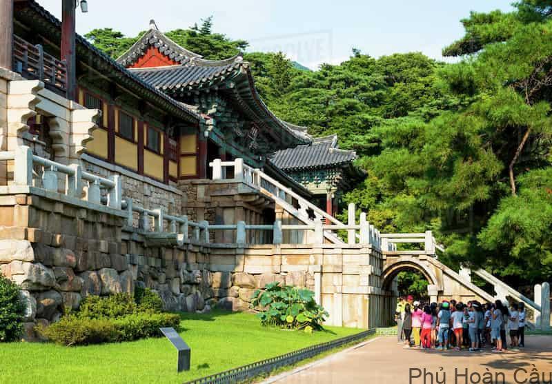 Bulguksa là ngôi đền phật giáo nổi tiếng ở Gyeongju