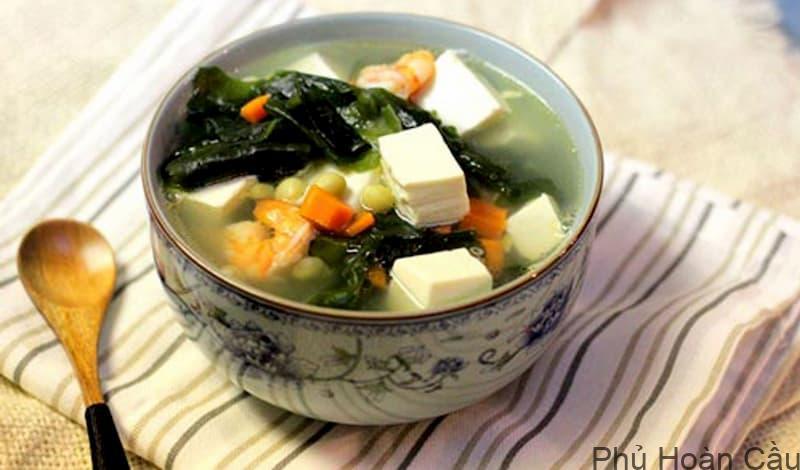 Các món canh của Hàn Quốc rất giàu gia vị và nguyên liệu