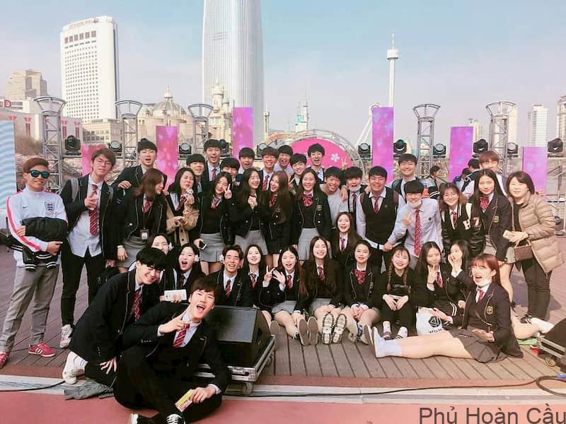 Các trường cấp 3 ở Seoul: ưu điểm, nhược điểm và danh sách các trường