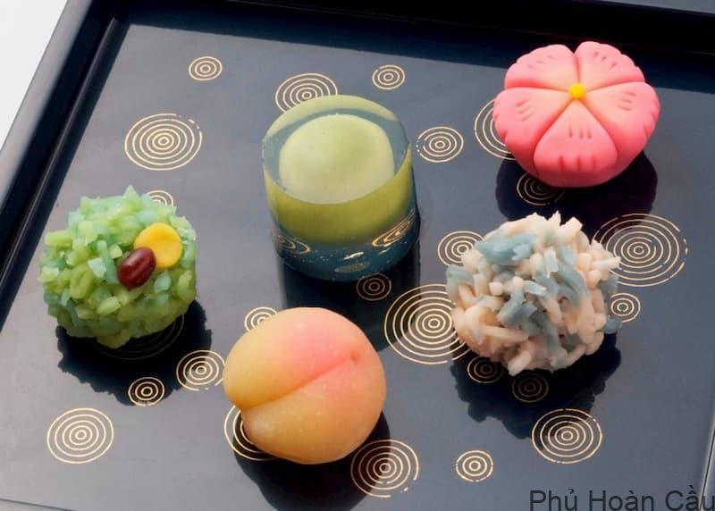 Cách làm bánh ngọt Hàn Quốc thường cầu kỳ trong hình dáng, màu sắc