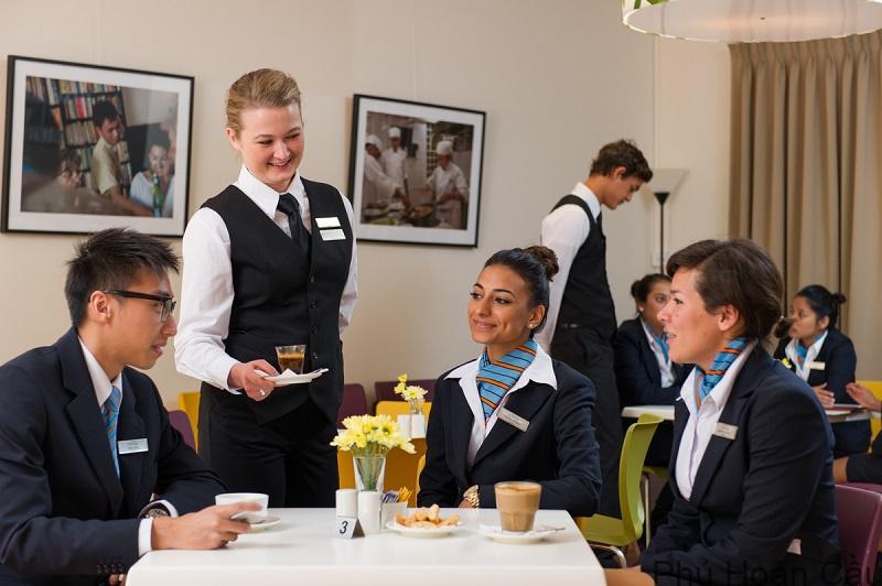 du học Úc ngành quản trị nhà hàng khách sạn hưởng lương