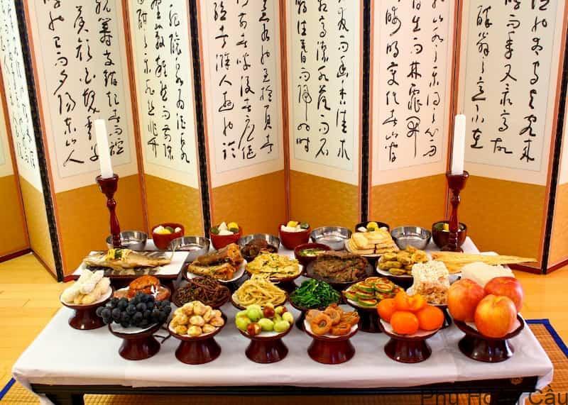 Mâm cỗ cúng tổ tiên ngày lễ Chuseok