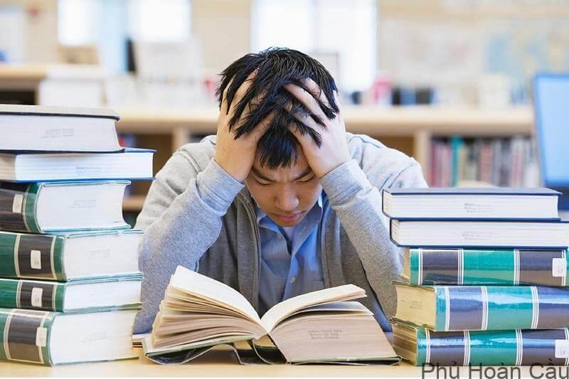 Chương trình học tại Hàn khá nặng cho nên cần phải cố gắng hết mình