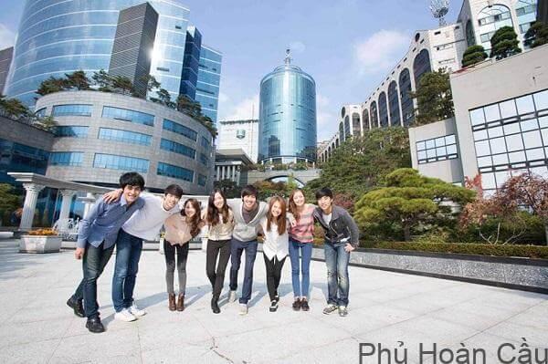 Trường Đại học Quốc gia Seoul Hàn Quốc thu hút nhiều sinh viên quốc tế