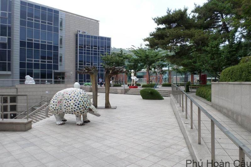 Điều kiện nhập học trường Kookmin thay đổi tùy theo bậc học