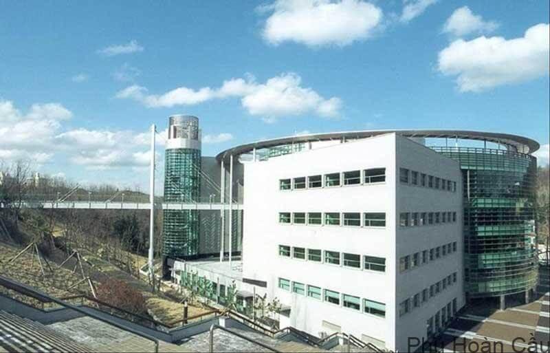 Trường đại học Pohang Hàn Quốc được thành lập vào năm 1986